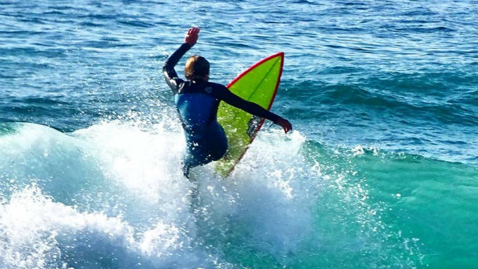 Clube de Surf de Lisboa aposta no crescimento pessoal dos jovens através da prática do surf