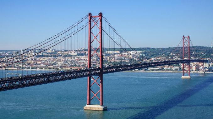 Ponte 25 de Abril foi inaugurada a 6 de Agosto de 1966