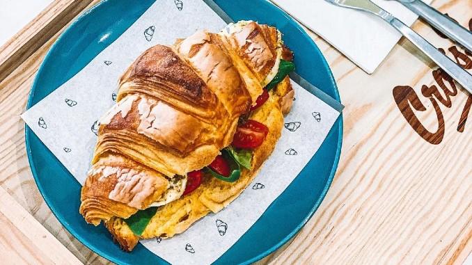 Os Croissants que causam inveja aos franceses apostam em recheios artesanais